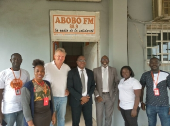 CULTURE COUNTS FOUNDATION ET STUDIO MOZAIK VISITENT ABOBO FM, LA RADIO COMMUNALE D'ABOBO, NOUVELLE RADIO PARTENAIRE.